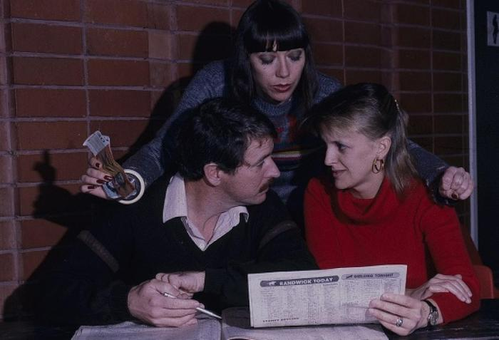 sandy_gore_kay_white_gerard_maguire_jim_fletcher_and_jane_clifton_margo_gaffney_during_a_break_-_thumbnail